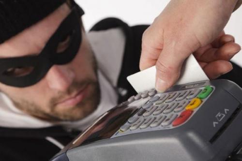 В РФ растут убытки от мошенничеств с карточками банков