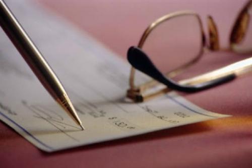 В скольких банках юридическое лицо имеет право открыть расчетный счет