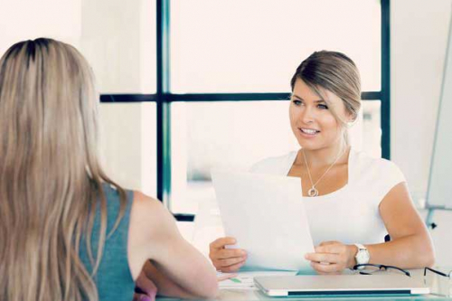 На работу в банк без высшего образования: нонсенс или правила нового времени
