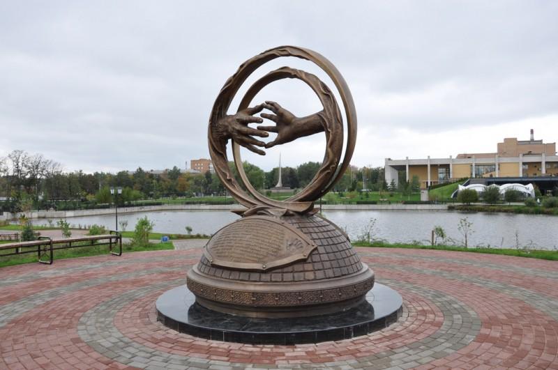 Фото на памятник заказать в мытищах памятники ростова на дону фото и названия